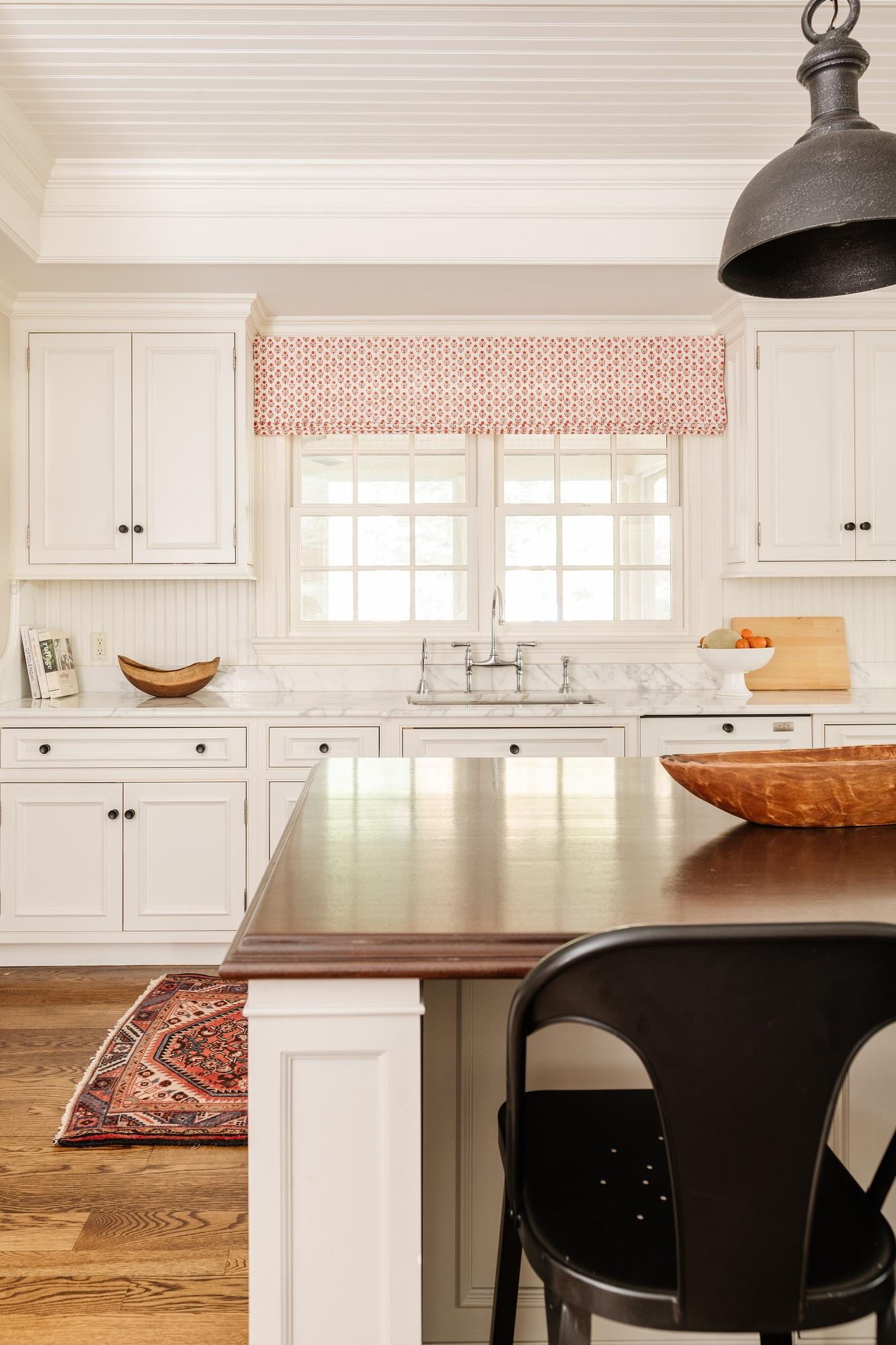 Kitchen design with custom roman shades