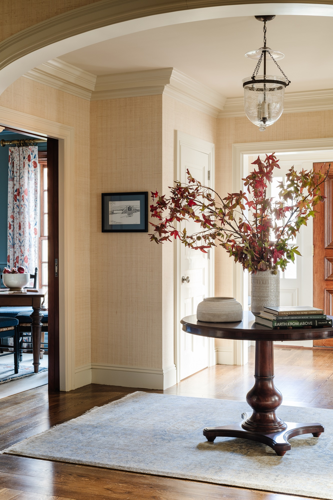 Entryway design with textured wall coverings