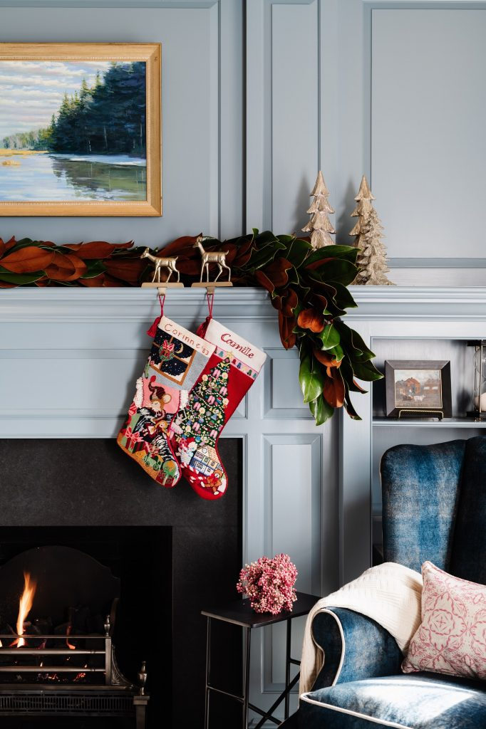 Holiday decorating ideas: holiday mantle decor
