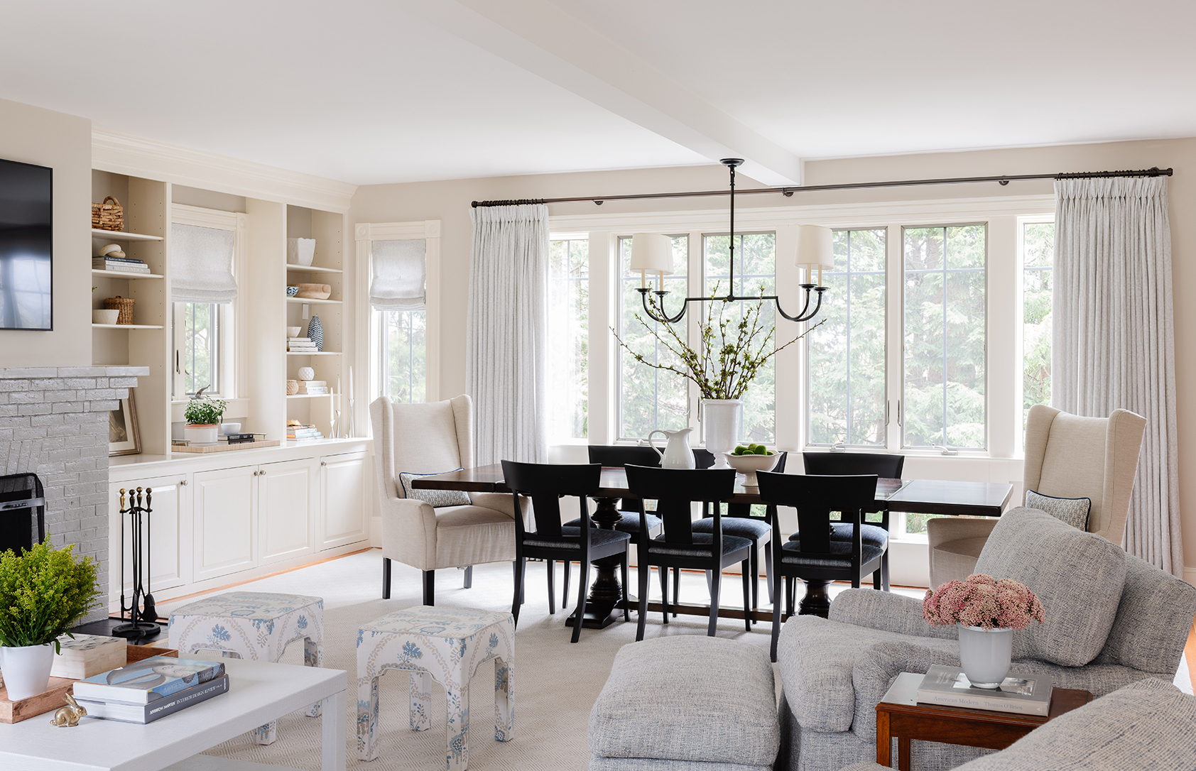 Great room with open plan and natural light